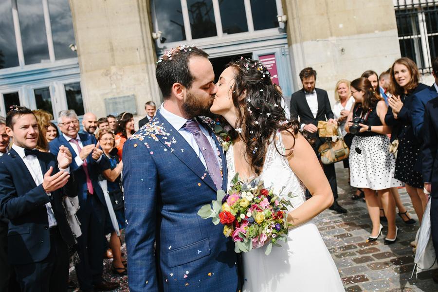 les mariés à la sortie de la mairie du 13ème arrondissement de Paris