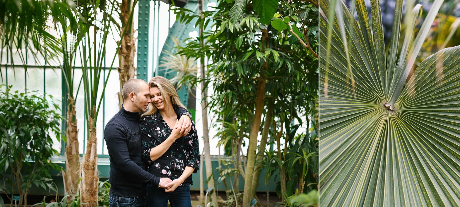 couple dans les serres d'Auteuil à Paris et plante