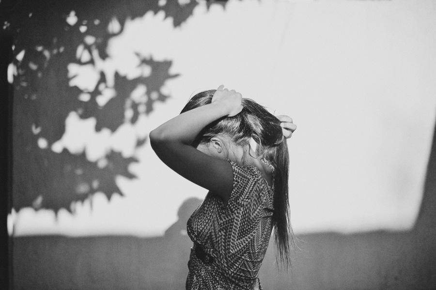 femme se coiffe à Bordeaux