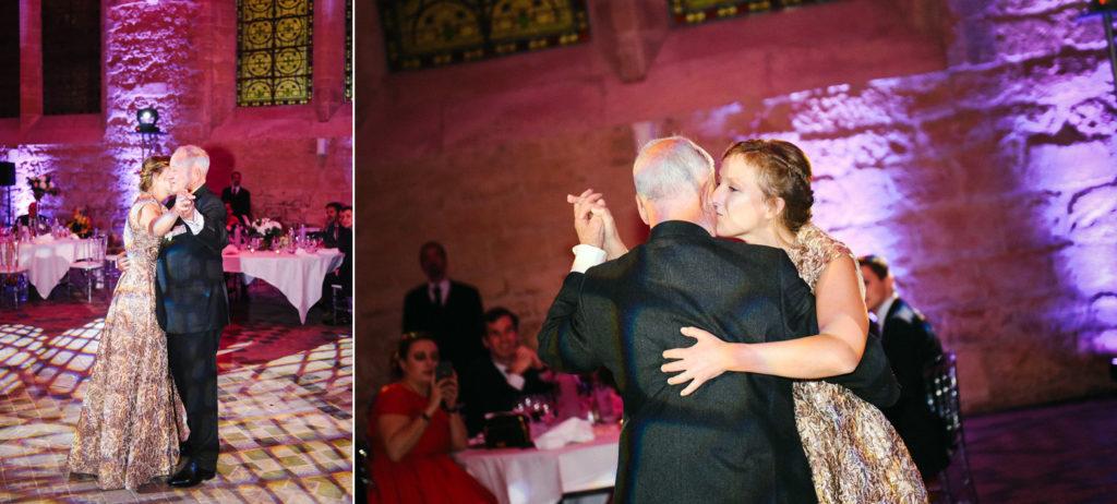 La mariée ouvre le bal avec son papa